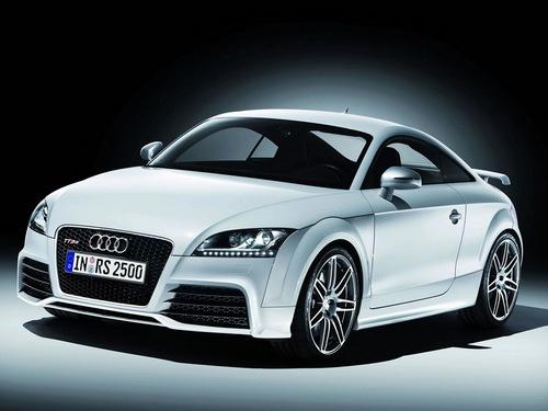 Audi tt rs tekniset tiedot